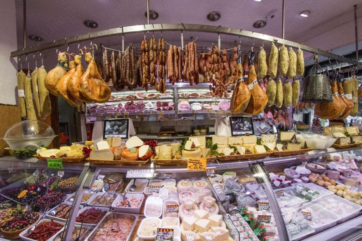banco frigo norcineria a Roma salumi e formaggi